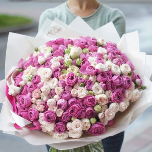 IMG 0357 526x526 - Нежный букет из кустовых пионовидных роз №6-009