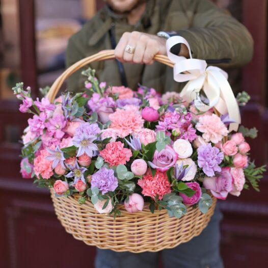 69712E70 B669 4892 B3EA 592C20766A86 526x526 - Букет с пионовидными розами и амариллисом N21-020