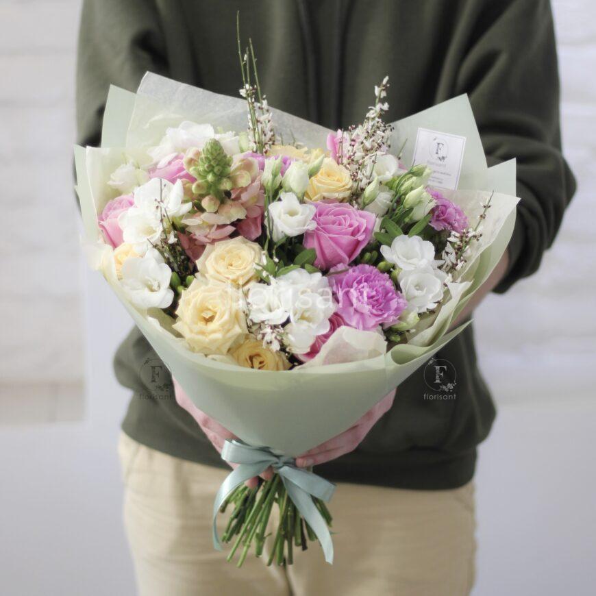 888CDFA9 27CE 43A4 9284 A668F6656960 870x870 - Цветочный комплимент в розово-кремовойгамме N22-023
